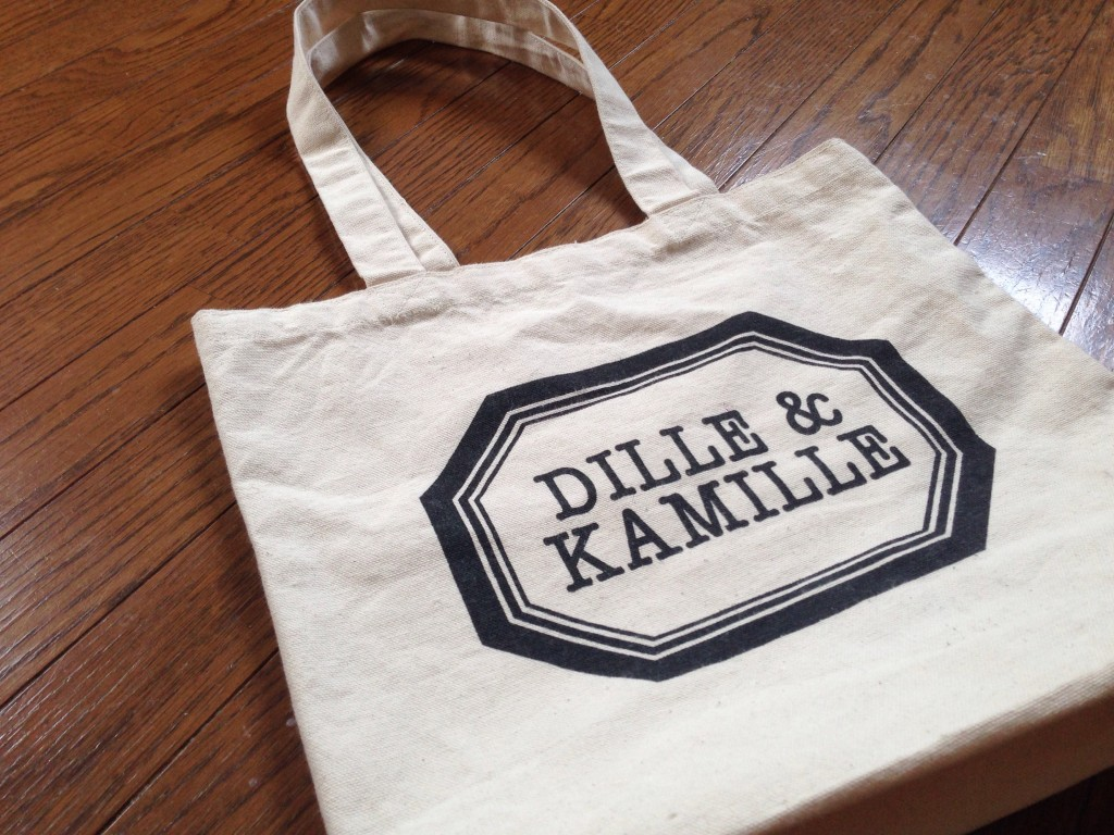 Dille & Kamilleのエコバッグ